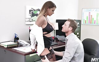 Mr Big of age Brooklyn Hunting gets fucked hard in the office
