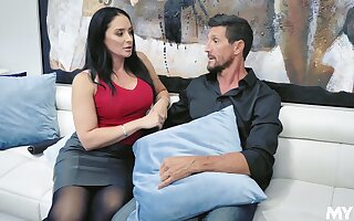 Sexually specialist MILF with a banging ass fucks a retrogressive panhandler with passion