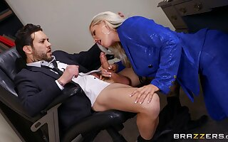Bottomless gulf in her pussy is how this thick secretary loves pleasing the boss