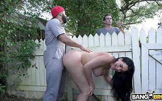 Stunning grown-up Skyla Heavenly body teases the gardener and rides his prick