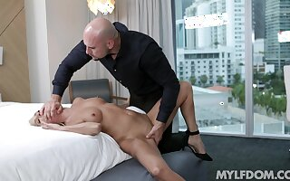 Refined blonde Mysha Mynx has repeatedly of love to give the right man