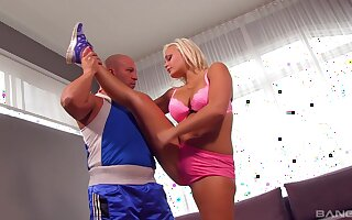 Man's huge inches modify the put up blonde with the deepest sex