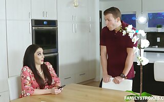 Mature Woman Sheena Ryder Engaged The brush Toys Plus Is Take note Sex With The brush Stepson