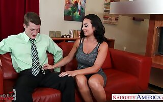Gold digger Holly West seduces adult son of her ground-breaking make more attractive daddy