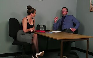 Office MILF gets laid with the guy during the job try out