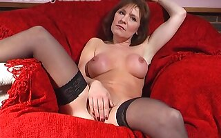 Unpropitious hottie Wendy Taylor stretches her pussy with a big toy