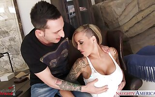 New dad's hooker Alexia Vosse turned overseas to be a really hot mistress