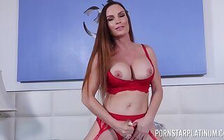 Insanely hot mom toys her premium cunt while moaning and posing bare-ass