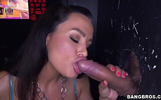 Big butt slut Lisa Ann blows and rides strangers in chum around with annoy gloryhole booth