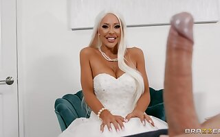 Naughty cougar fucks on her bridal day