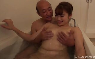 Deep sex in the tub for the XXX Japanese wife
