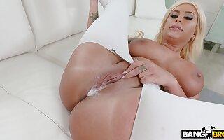 Big butt blondie Brandi Bae spreads her legs for a black cum gun
