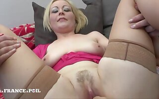 Blond See red Indulge Mommy With Large-bosomed Milky Tits