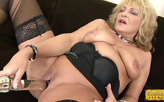Dirty adult granny Sisy gets fucked wits a broad black dick