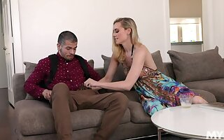 Sexual milf Addie Andrews seduces stepson and shows him a blowjob master class