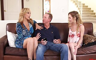 Babysitter Angel Small joins cougar Julia Ann for a troika