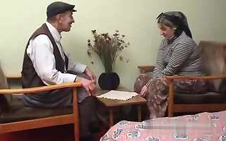 Elderly Turkish man fucks his wife with turban