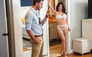 Mummy in stockings and underwear jumping on a dick of her lover and cu...