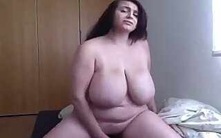 This big breasted BBW always succeeds in making me hard and I love her boobs