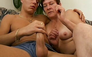 Amateur fucking at home between a younger man coupled with grown-up Anna2