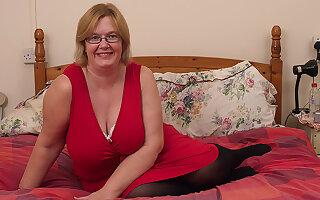 British Mature Lady Shows Her Big Tits And Masturbates - MatureNL