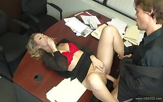 A secretary who surprises the boss!