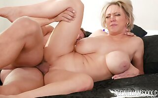Mommy deserves the young dick humping her as a result fast
